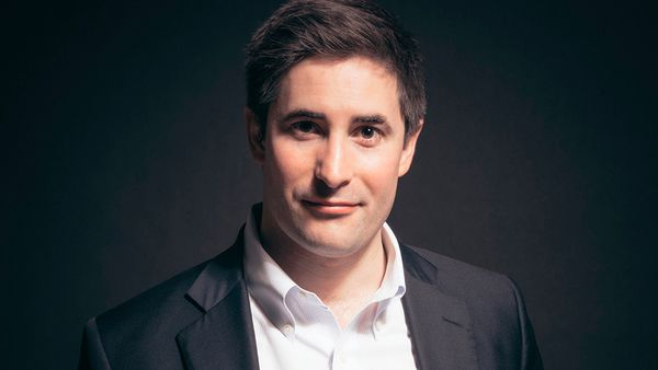 Trump campaign playbook with Axios national political reporter Jonathan Swan
