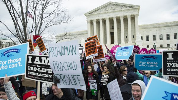 What is Roe v Wade and why could abortion soon become illegal in many US states?